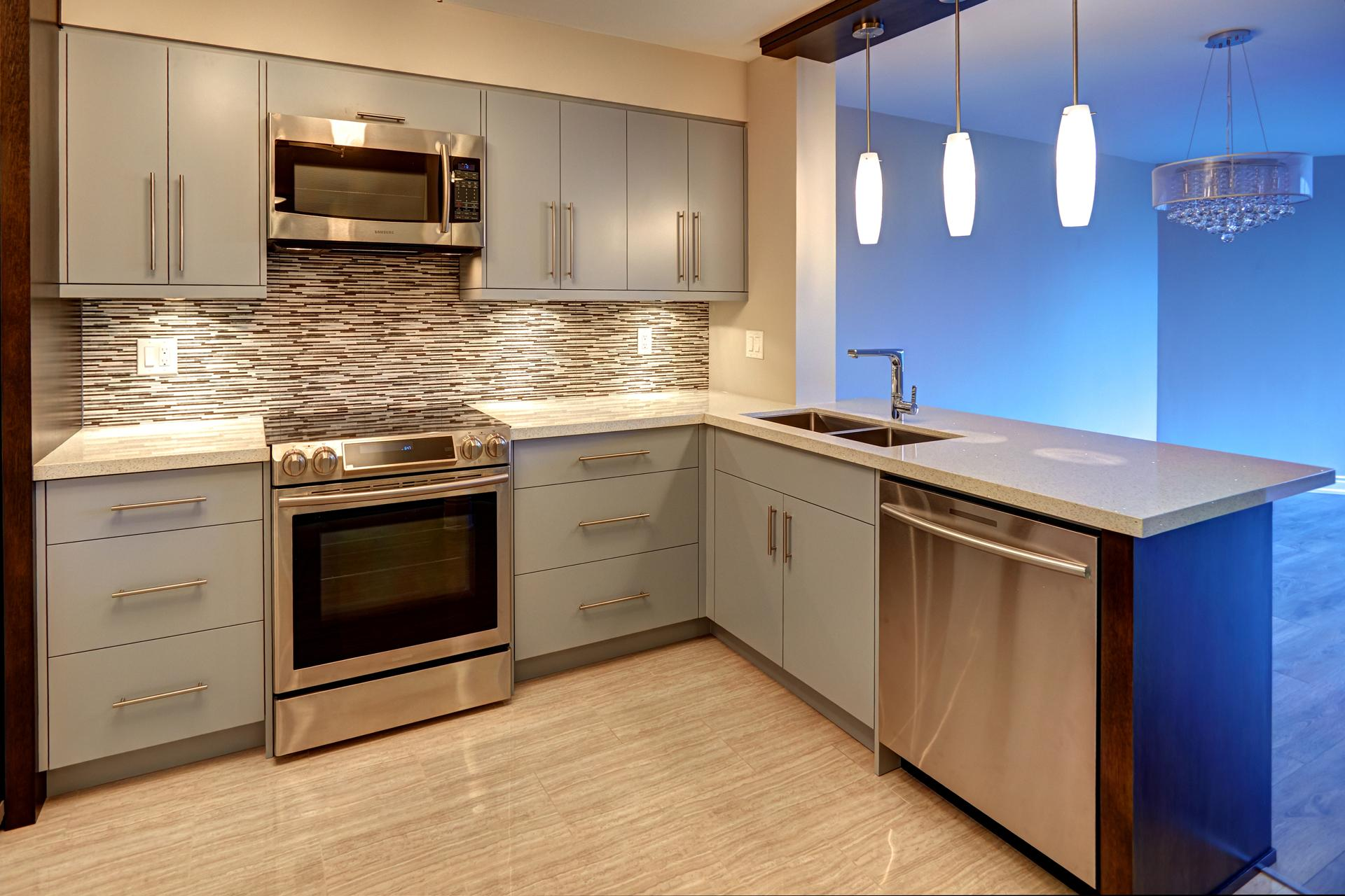 Custom modern kitchen 7