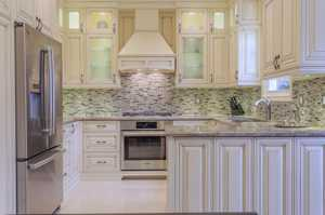 Traditional Kitchens-109
