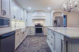 Traditional Kitchens-117